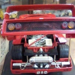 Model Ferrari F40 Scale 1:18