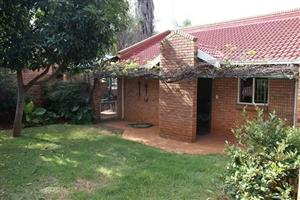 TO LET: FAERIE GLEN – 2 Bed Duet House. Under cover Lapa / Braai area. Kitchen and 2 bathrooms  with shower and bath, spacious sitting area. Double lock-up garages. Close to shops and on bus route. Available Immediately. No Agents! Robert 074 1188526