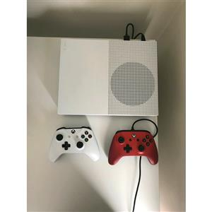 ★Xbox one s 500gb R3299 with x1 controler and all cables