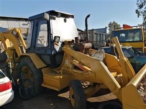 Selling cat tlb 426 B shorting hydraulic pump. Props haft and radiator papers available