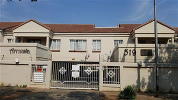 Spaciuos, neat, safe Noth facing 1 bedroom flat with lock-up garage. Good location in Wonderboom South