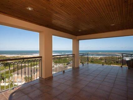 House  For sale in West Beach