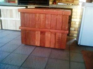 Wood carrier storage box 970 Mobile - Stained