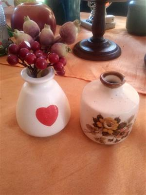 2 Flower pot vases for sale