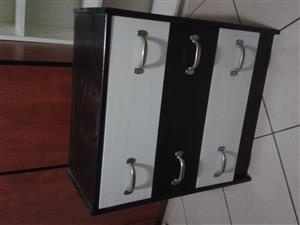 chest of drawers for sale!
