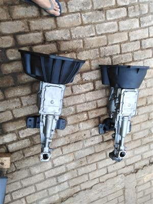 2 x v6 Ford 5 spd gearboxes