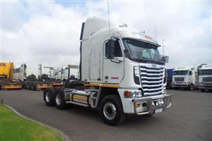 Freightliner Double axle 2014 FREIGHTLINER ARGOSY CUMMINS ISX 500