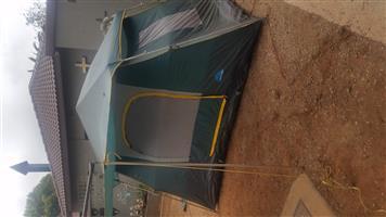 Nice 4 men CampCraft tent