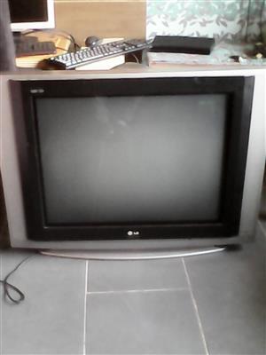 LG 80 CM COLOR TV FOR SALE