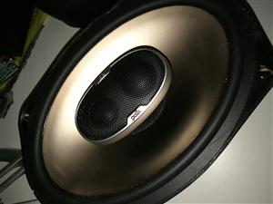 POLK 6X9 SPEAKERS WITH COVERS