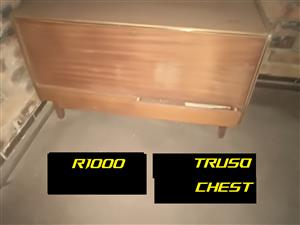 Antique Truso chest