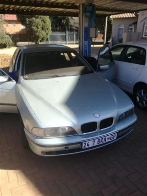 2002 BMW 5 Series 528i Exclusive