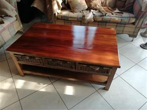 Wetherlys Coffee Table with 6 baskets underneath