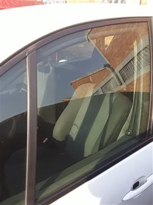 Renault Scenic LHS Front Door Main Window