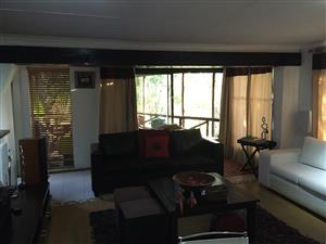 Flat to rent in Kameeldrift East, 4km from the Zambesi toll gate & 9km from the Kolonnad Mall