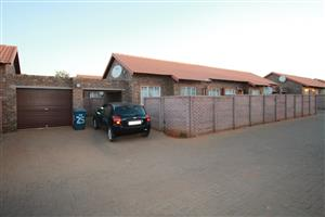 3 BEDROOM TOWNHOUSE IN THE ORCHARDS
