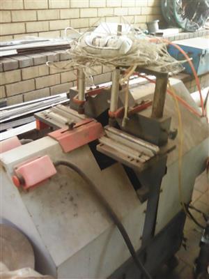 Industrial Aluminum Cutting Machine