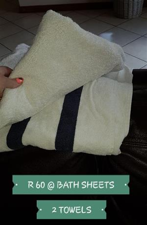 2 Towels for sale