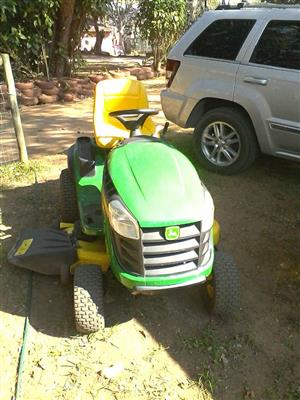 John Deere ride on lawnmower