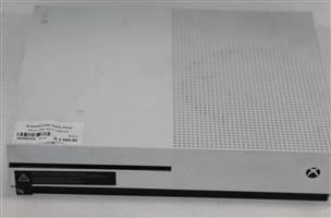 S035633A Xbox one with cables #Rosettenvillepawnshop
