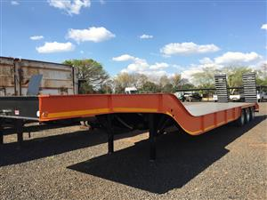 Make 3 Axle Lowbed Hendred Axles 2018 Pre-Owned Trailer