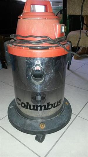 Columbus Cyclone wet and dry chrome cylinder vacuum