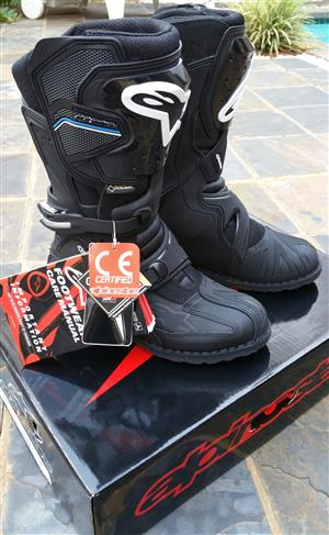 Alpinestars Toucan Gore-Tex Adventure/Off-road Motorcycle Boots.