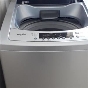 16 kg whirlpool washing machine in excellent condition, 1 year old.