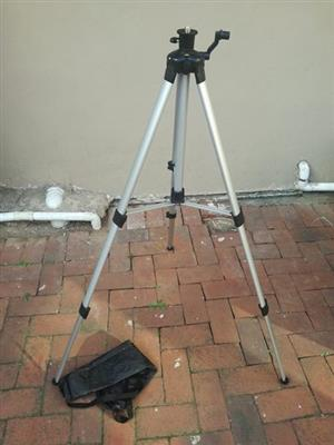 Aluminium Tripod, brand new in box