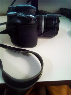 Hi , selling this  digital camera not using it  but I know  someone  out there in love  with  photography  might wana  own it.