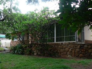 Pretoria Oos: HUIS langs die Botaniese tuine. Veilig. Silvertonrif