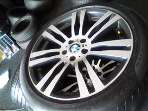 20 inch BMW X5 and X6 original mspprt mags, narrow and wide with runflat 275/40/20 front and 315/35/20 back used tyres