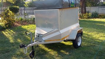 Bush trailer