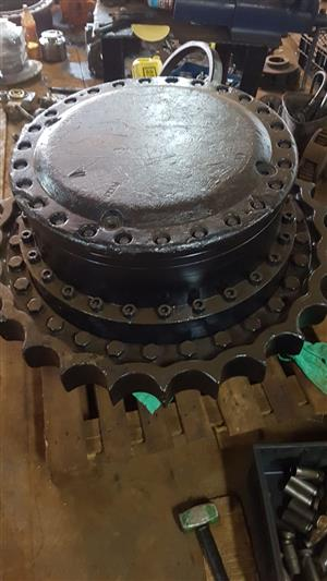 Reconditioned EX1900 final drives for sale