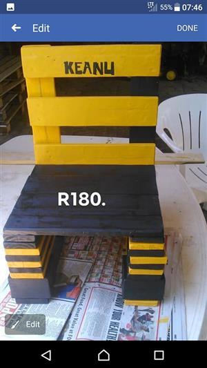 Black and yellow Keanu kiddies chair