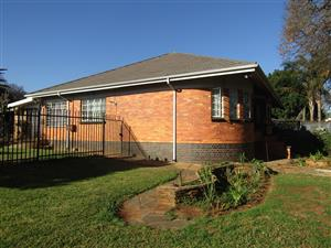 HOUSE FOR SALE OR RENT PROCLAMATION HILL PRETORIA