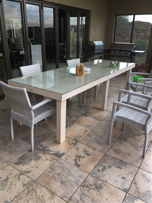 Patio table Farmhouse series 3000 with 6 legs Stained Antique white
