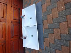 2 x Basins for sale R400 each plus taps