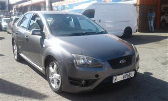 2009 Ford Focus 2.0 4 door Trend automatic