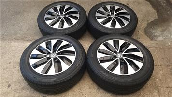 15 Inch VW Polo Bluemotion rims with tyres
