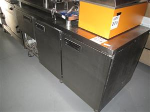 Stoves, Microwaves, Ovens, Fridges, Freezers, Dishwashers & Tumble Dryers in Live Warehouse Auction, Cape Town