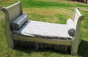 Kids sleigh Bed with Slide-out double bed
