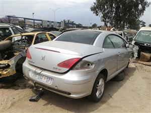 Stripping peugeot 307cc 2007