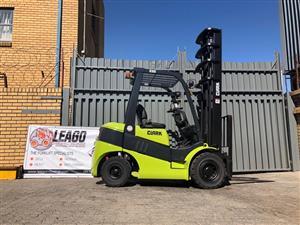 Forklift clark 2.5 ton