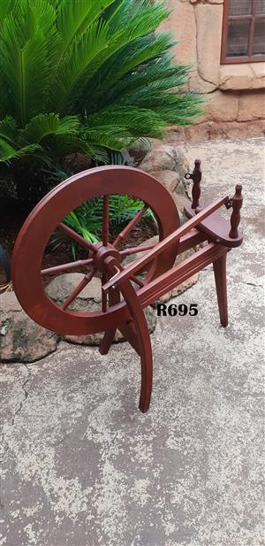 Classic  Antique Spinning Wheel