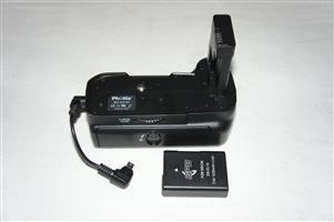 Pottix BG-D3100 Battery Grip plus extra EL14 Battery