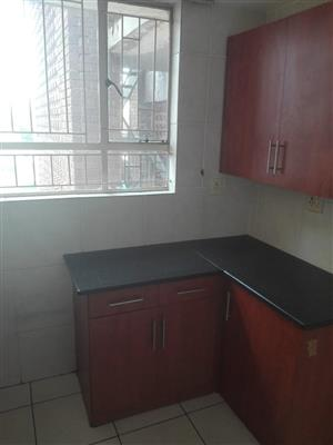 3.5 Bed, 1.5 Bath Apartment to rent in Sieling Sentrum, Brits central.