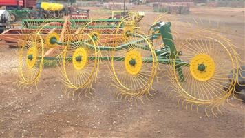 Vicon 8 Wheel V-Rake /
