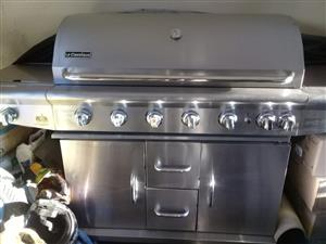 Braaistand For Sale was R12 000 gone down to R8 500 as it is just taking space in the garage