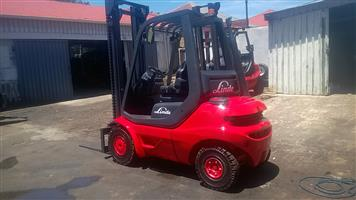 GAS & DIESEL LINDE 2.5 TON FORKLIFTS FOR SALE